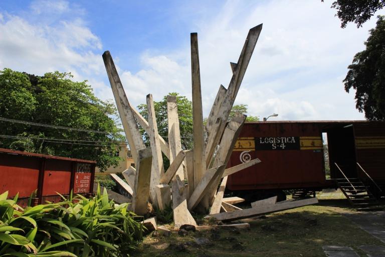 Monumento-a-la-Toma-del-Tren-Blindado