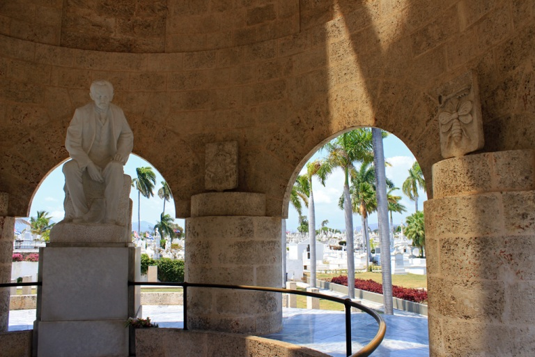 Jose-Marti's-mausoleum-at-Cementerio-Santa-Ifigenia-in-Santiago-de-Cuba