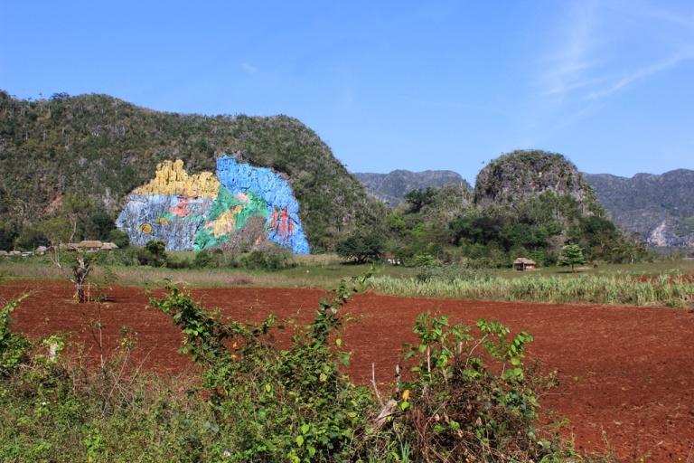 Mural-de-la-Prehistoria,-Vinales,-Cuba.jpg